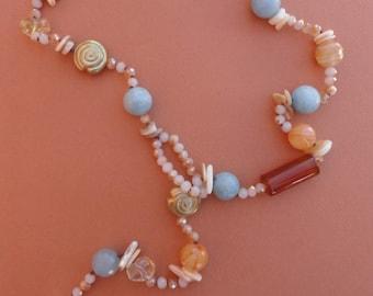 """Tie"" necklace in natural stones"