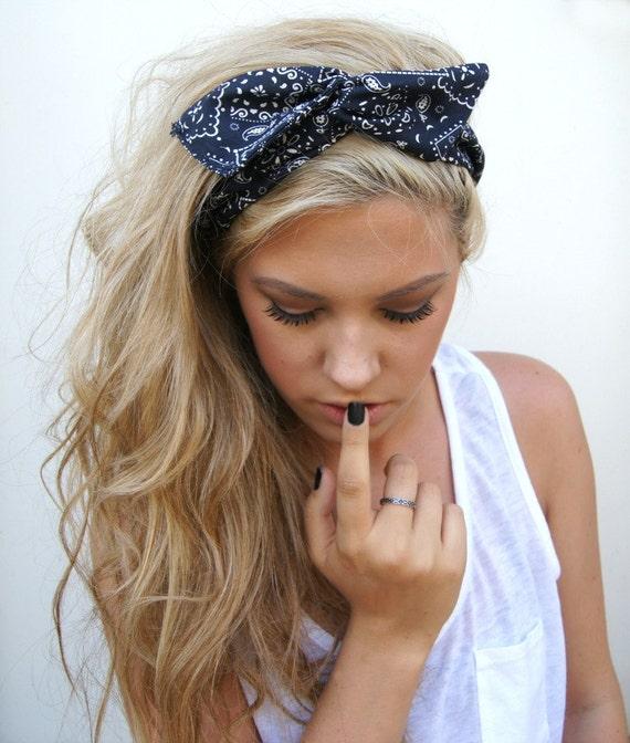 how to wear a bandana like a pinup girl