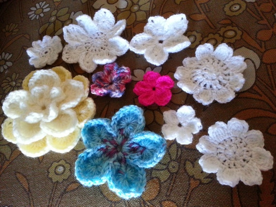 Bavarian Crochet Flowers pattern for making 5 different types