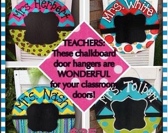 Circle Door Hanger with Chalkboard Center