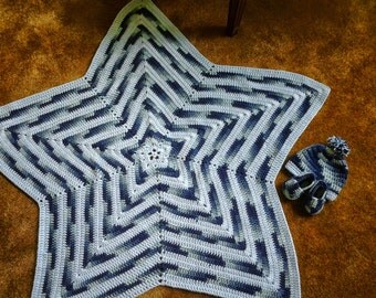 Shades of Blue Star Blanket with Matching Hat and Booties