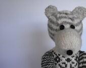 mr. Jo - hand knitted teddy bear made of hand spun yarn of north ronaldsay sheep, undyed, natural yarn