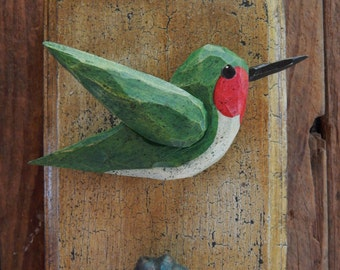 Antiqued Carved Bird Wall Plaque (Hummingbird)