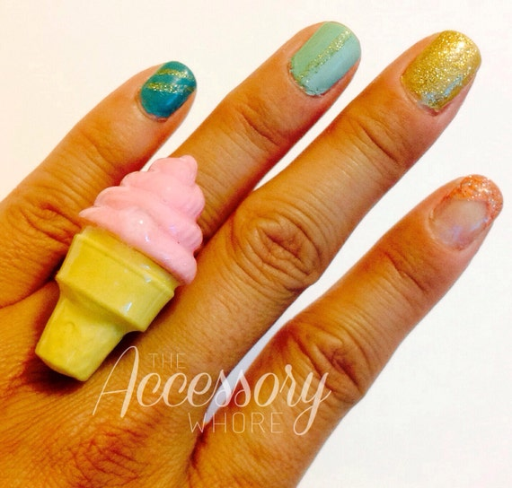 Sweet Fro-Yo Ring - Frozen Yogurt / Ice Cream Rings / BiG Ring / Cute Dessert / Food Ring / Kawaii Jewelry / Adorable Cocktail Ring