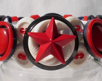Red, White & Blue, Patriotic Button Bracelet, Vintage Buttons, RWB, Hand-Crafted, Cuff Style, NEW, OOAK