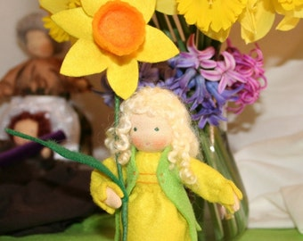 DAFFODIL Flower children - 4 1/2in (12cm) - Waldorf nature table - Root children