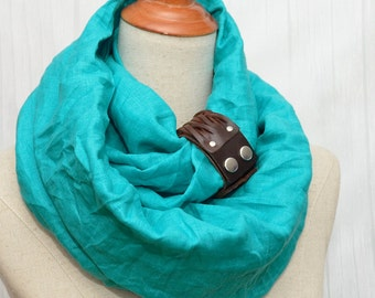 Linen Infinity Scarf. Chunky Scarf. Natural Linen. Turquoise. Brown leather cuff.