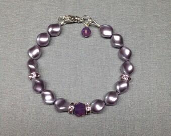 Swarovski Crystal Curved Pearl Bracelet in Mauve