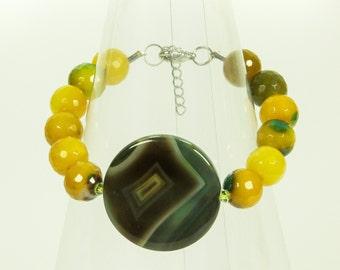 Faceted agate gemstone bracelet.