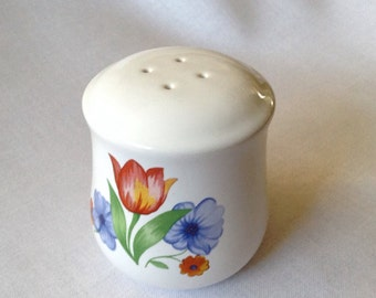 Vintage, Very Nice Salt Shaker, Great Condition, Porcelain, 3 Inches High