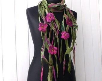 Necklace felted flower purple green leaf