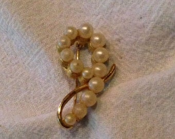 Vintage Pearl Gold Marvella Brooch Pin Costume Jewelry