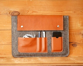 Felt & leather notebook case with 4 compartments!
