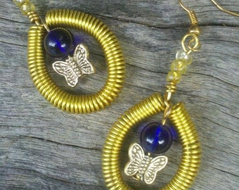 gold tone coiled wire and bead earrings