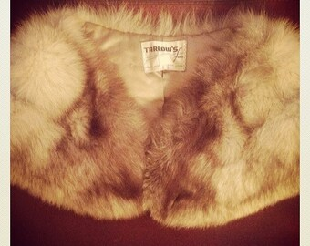 Recycled beige and gray fur collar