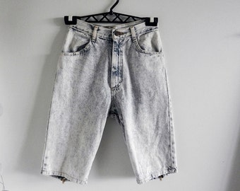 Vintage Women's Denim Faded Shorts / Stone Washed Shorts with Bow Ties