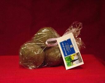 1 medium Alpaca Felted Dryer Ball