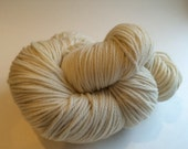 Certified Organic Undyed Merino Wool Yarn Worsted Dyeable. Ships from U.S.A.