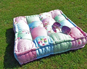 Square Patchwork Quilted Cushion SEWING PATTERN