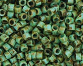 TOHO Size 15 Seed Beads - HYBRID Turquoise Picasso - Pack 5 grams - 15/Y307