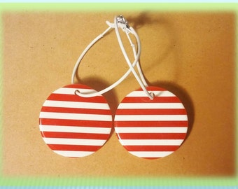 Red & White Striped Earrings, Large Metal Leverback Candy Stripe Disc Earrings 1970's #11