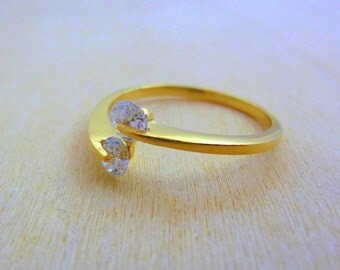 clear crystal quartz gemstone birthstone ring ,delicate ring minimalist jewelry gold fill ring multistone ring gold jewelry for women