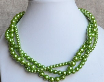 green pearl necklace,3 rows green bead necklace,twist green necklace, green glass pearl necklace,wedding necklace,statement necklace