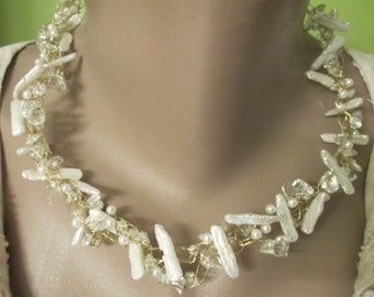 Fabulous wire crochet collar featuring stick pearls, glass chips and freshwater pearls!
