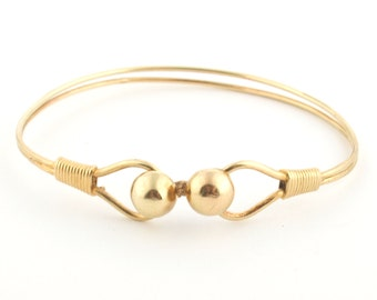 Unique 14k Solid Gold Classic Bracelet  //solid 14k gold wire bracelet for women / shiny 14k gold bracelet // Delicate wire bracelet