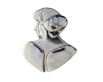 The three graces silver brooch