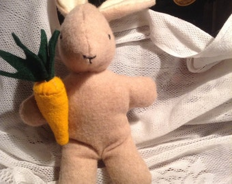 Easter bunny w/carrot