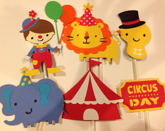 12 Circus Cupcake Toppers