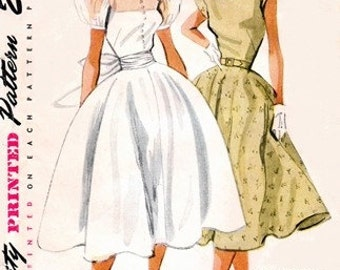 Simplicity 3765 Hollywood Starlet Dress / ca.1952 / SZ11 COMPLETE