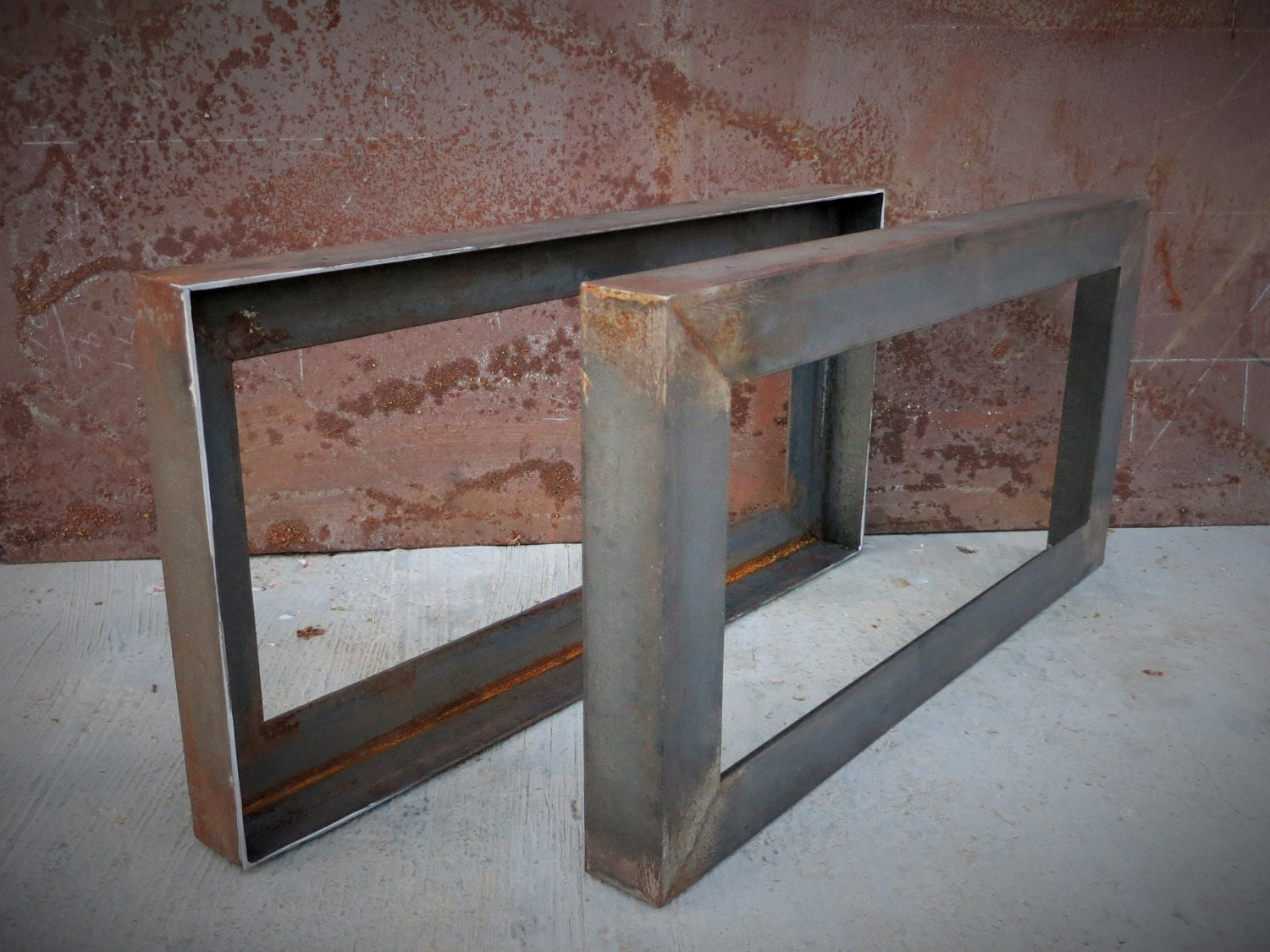 metal table legs angle
