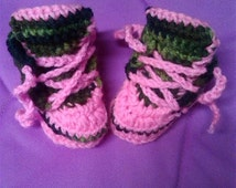 Camo & pink tennis shoes 0 to 1 yr.Free Shipping