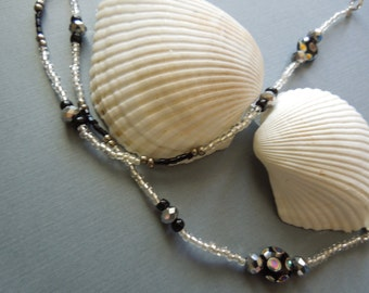 Eyeglass necklaces