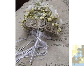 Ladies of honour and bridal bouquet