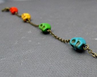 """Brass Happy Skull Bracelet // Rainbow Color Tiny Howlite Skulls Charm // 7"""" Chain Bracelet // Gift under 20"""