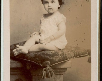 vintage photo CDV Baby Albumen Velvet Pillow A Brion French Toul Paris