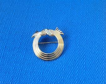 Vintage New in Box Avon Goldtone Classic Circle Lapel Pin/Broach