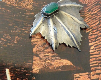 Vintage 30s 40s Sterling Chrysophase Pin Brooch Leaf Design