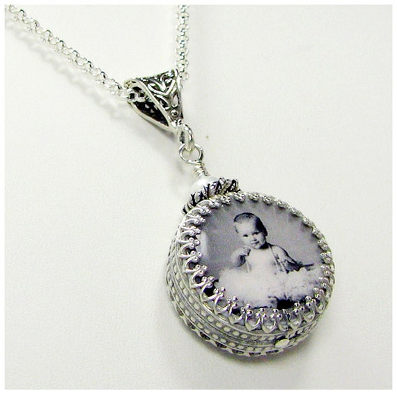 A Custom Photo Tile Pendant Wrapped in a Gorgeous Sterling Silver Classic Frame - XSM - WC6CfN