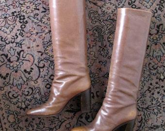 1970s GREYISH BROWN tall stacked heel boots, 8