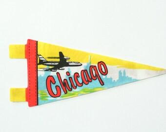 vintage 60s Chicago felt souvenir pennant / travel pennant / banner / small gift
