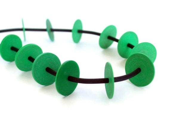 green necklace, black and green, rubber jewelry, fall fashion, summer style, bold color, modern fashion, eco-friendly VDN