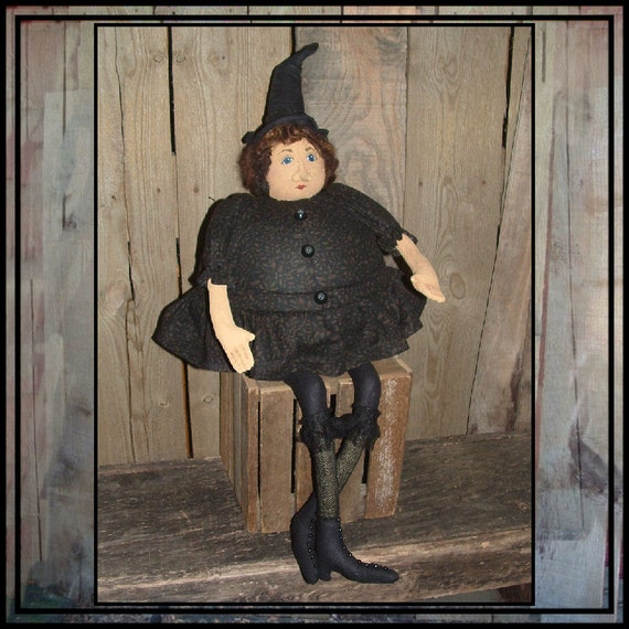 Round fat soft sculpted sitting witch Hester Prynne HAGUILD HAFAIR