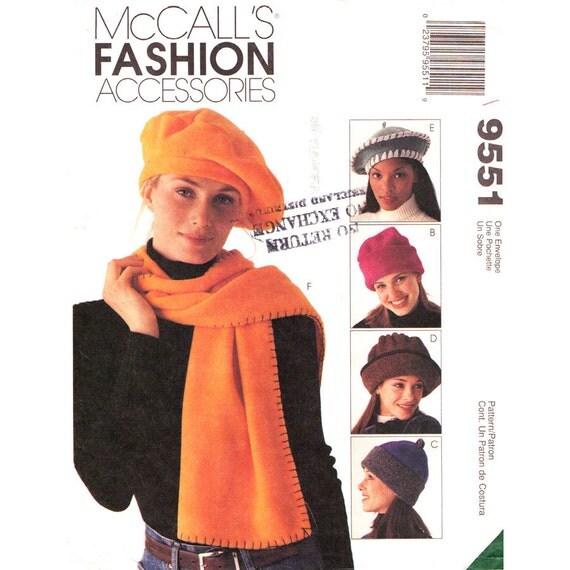 Fleece Accessories Pattern McCalls 9551 Cloche Beret Hats Scarves Tote Bag Blanket