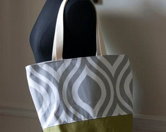 market or beach tote bag // grey mod and pea green canvas // cotton webbing straps // limited edition // READY TO SHIP
