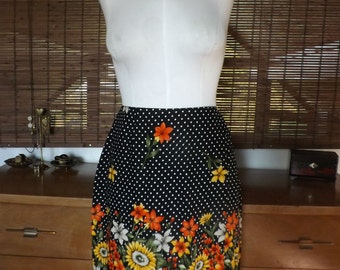 Vintage 90s does 60s Daisy and polka dot faux wrap border print skirt M Free shipping