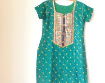 Tunic Dress - Bollywood - Green Cotton India - Pullover - MEGHNA - 90s - Slit Sides - Gold Sparkle - Paisley - Size Large - UNIQUE -Recycled